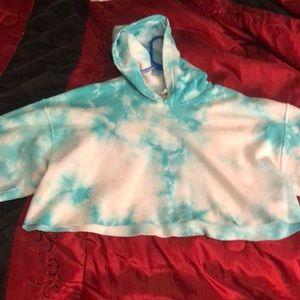 semi cropped hoodie